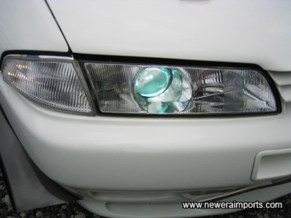 HID on main beam. D-Speed clear indicators.