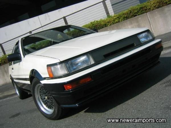 Facelift (Kouki) model.