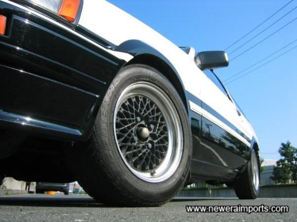 SS-R Reverse Wheels.