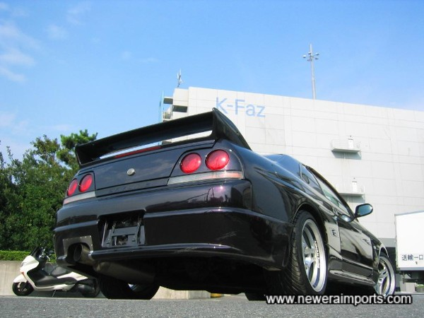 Arguably the best colour of all for an R33 GT-R - Rare too!