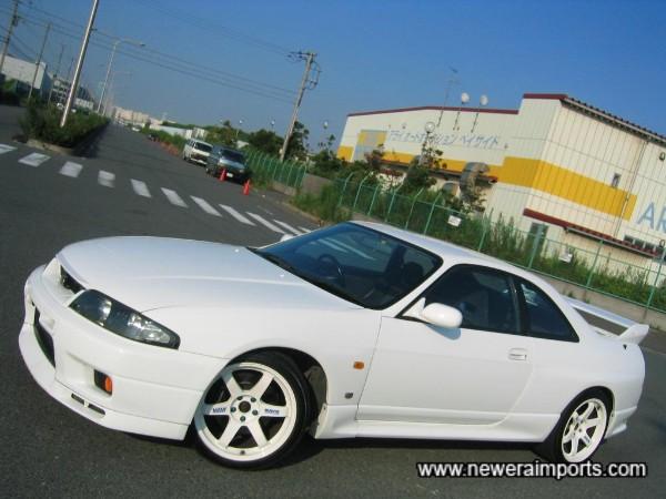 18'' Volk Racing TE37 wheels in white - suit this car well!