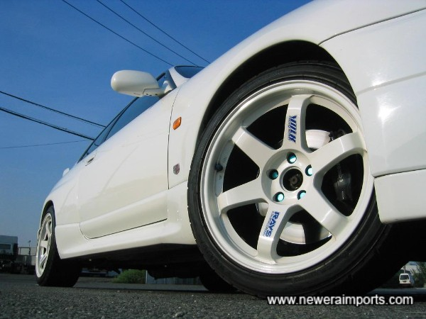Volk Racing TE37 18'' lightweight forged alloy wheels.
