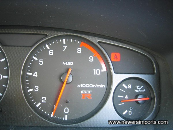 Oil pressure 3.5kg/cm2 at idle when at normal operating temp - An engine of excellent health.