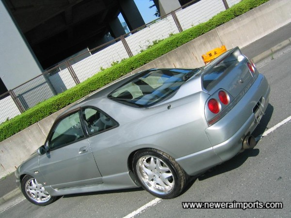 GT-R original bootlid is available.