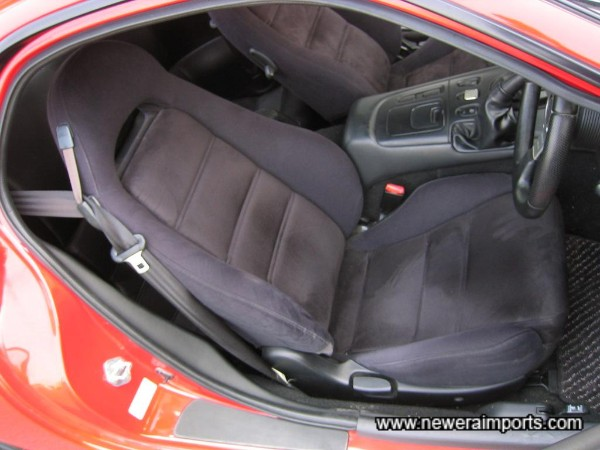 Driver's seat is unworn - in keeping with the very low genuine mileage.