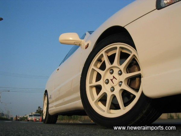 Enkei wheels and larger brakes are as originally supplied - being a 98 spec.