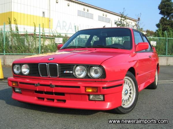 Dip Beam on headlights has original BMW HID.