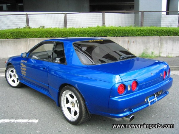 Original rear spoiler or GT Carbon wing are available. Example: Original rear spoiler, colour matched and fitted: £200.00