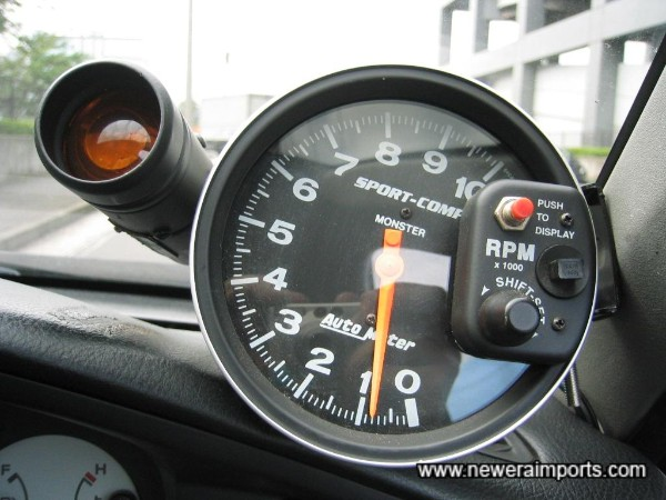 Drag Style rev counter with settable shift light.