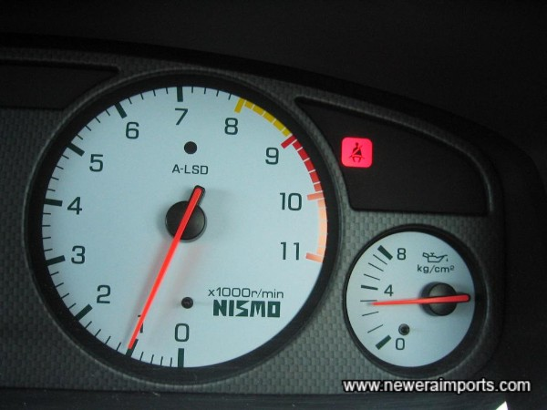 Oil pressure over 2.5 kg/cm2 when fully warmed - A sign of a good healthy RB26 engine.
