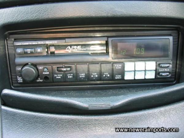 Alpine Radio/Cassette