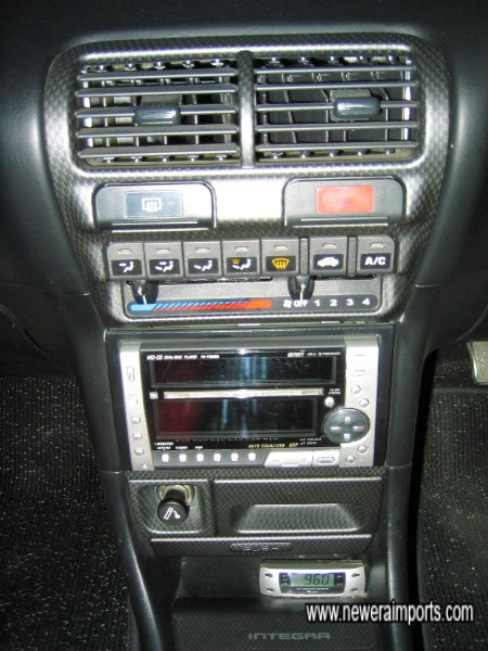 Note V-Tec controller and carbon look (std) trim.