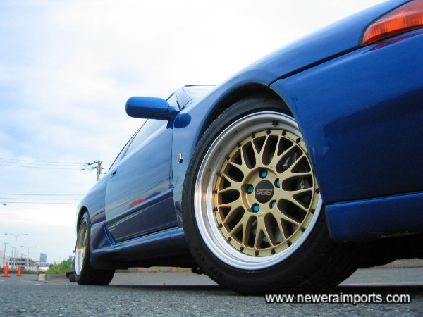 BBS LM Alloy wheels of 17'' size suit this car perfectly.