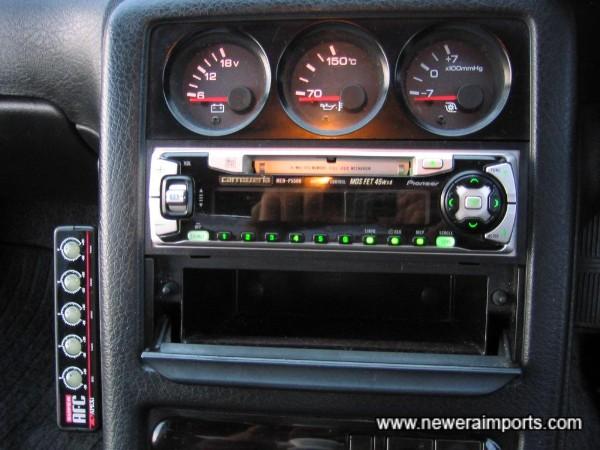 Carrozzeria MOS FET 45W x 4 Audio & Uprated speakers.