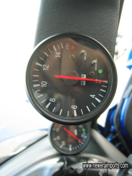 HKS Electronic Gauges showing Water Temp & Turbo Boost.