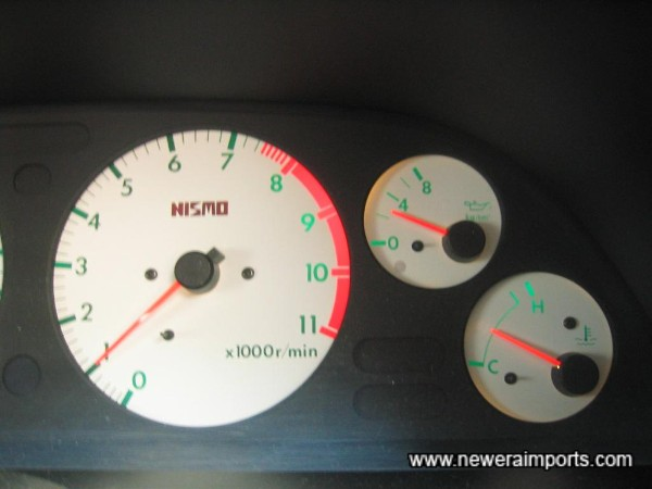 Oil pressure when at normal operating temp: 2.5kg/cm2 - an excellent sign of a good engine with plenty of life remaining.