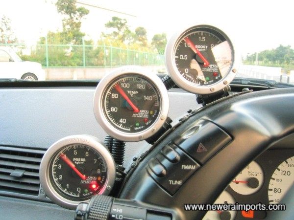 Apexi electronic gauges - initial start up mode.