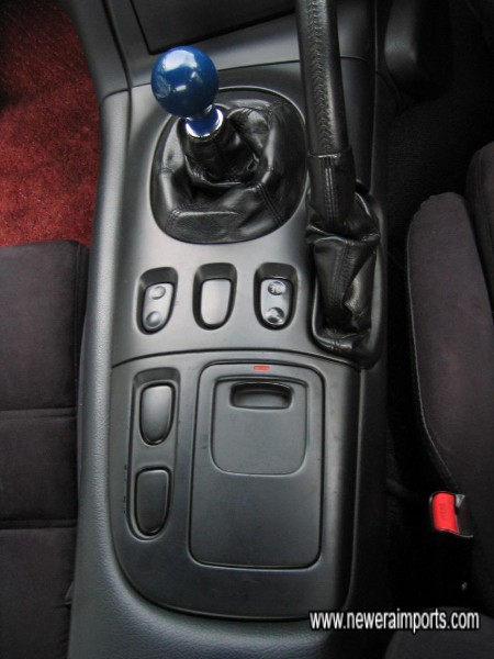 Note lack of scratches to centre console and door trim - Signs of a low mileage 1st revision FD3S
