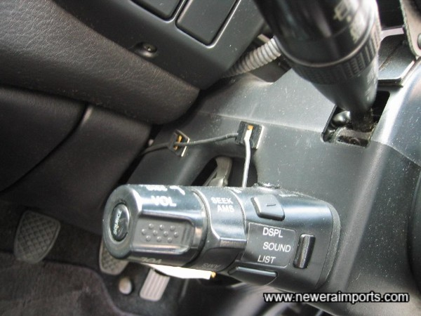 Remote control for the hifi is located on the steering column.