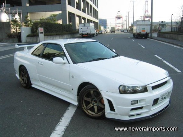 Nismo original option (ABS plastic, not FRP) side skirts.