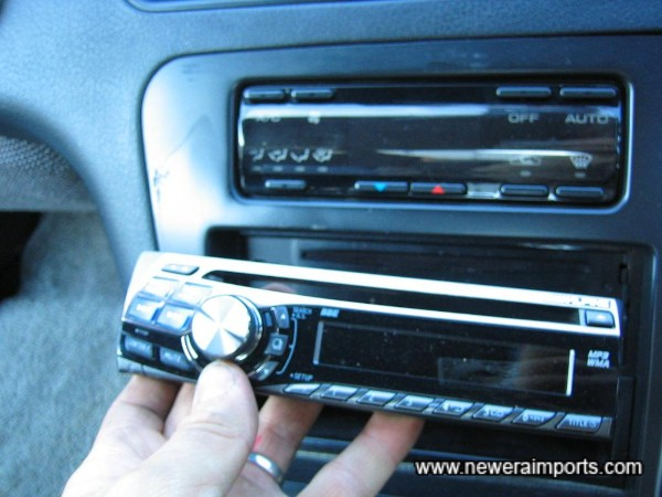 Good Quality Alpine CD Radio with security detachable face.