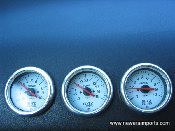 3 Blitz gauges neatly installed in the dashboard for: Fuel Pressure, Oil Temp & Oil Pressure.