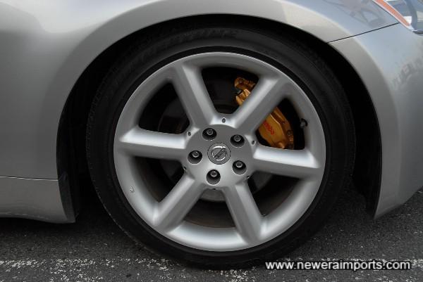 Brembo brakes (ST models only!)
