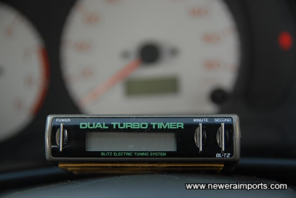 Dual Auto turbo timer (Displays turbo boost).