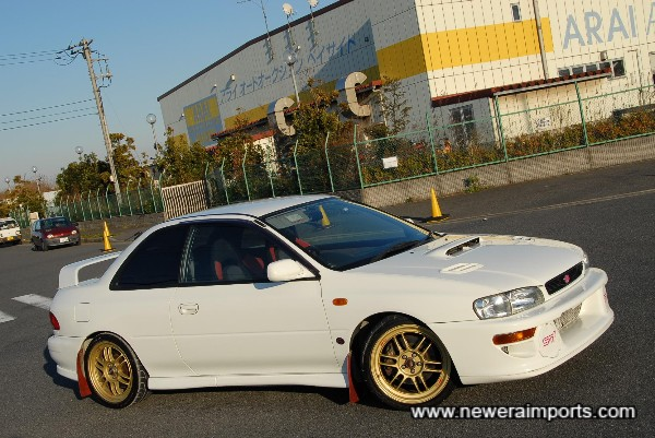 Enkei Racing RPF1 17'' wheels suit this car perfectly!