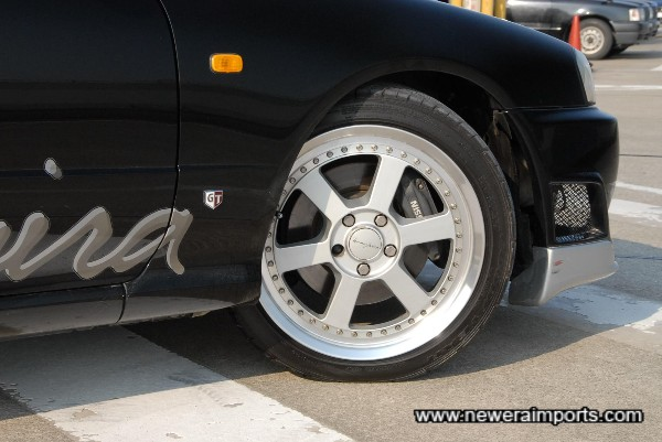 Note: locking wheel nuts missing, Replacement items are included in the OTR total.