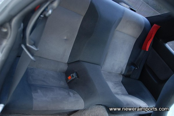 Rear seat also near new (Mark is from the Nismo bumpers which come with this car).