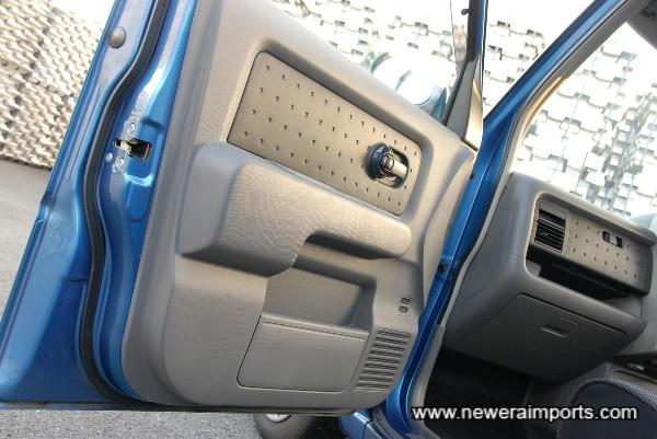 n/s/f interior door panel.