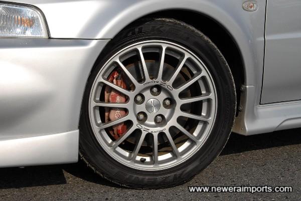Original alloys with near new Falken Azenis sports tyres (235-45-ZR17)