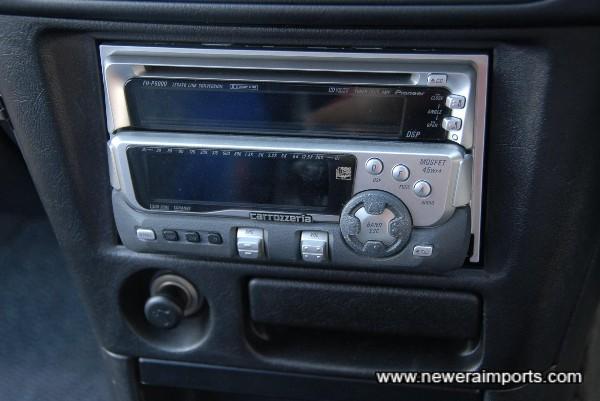 Carrozzeria CD/Cassette/Radio.