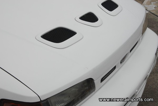 Small touch up mark on bonnet.