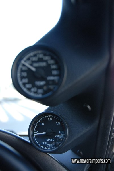 Water Temp & Turbo boost electronic gauges with user settable warning modes.
