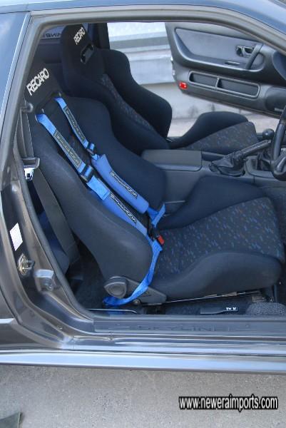 Sabelt 4 point harnesses & original seatbelts fitted.
