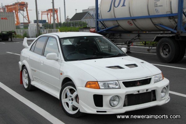 The Evo 5 GSR is arguably the best looking of all Evo's!
