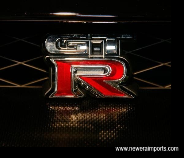 Previous GT-R badges have been chromed & painted. Latest design has a 3D depth on the 'R'.