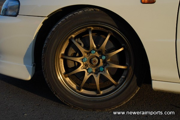 16'' Volk Racing CE28N Alloy wheels are in excellent condition.