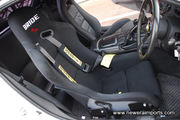 Bride VIOS III Black (FRP) Seat.