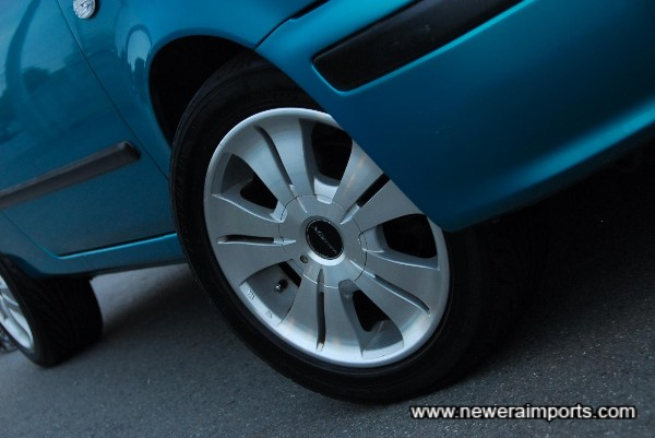 Uprated alloy wheels.