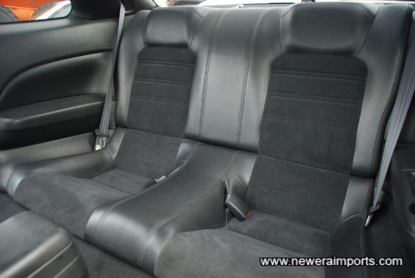 Rear bucket seats.