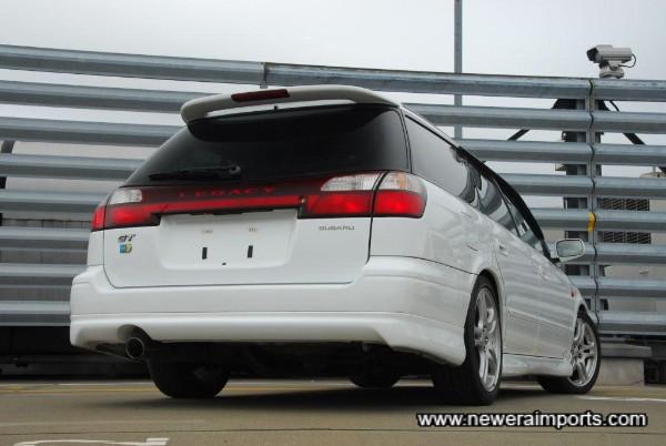 Cool rear bumper design.