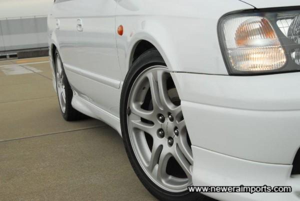 Original 17'' alloys with new new Bridgestone sports tyres.