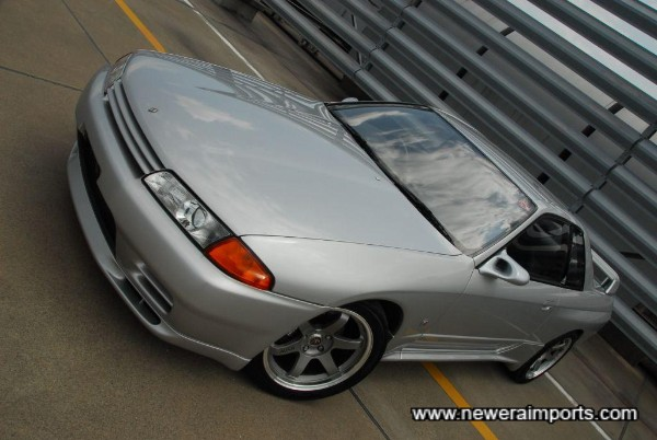 Note that smoked replacement indicators are available from www.neweraparts.com