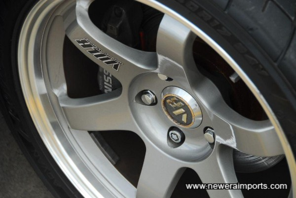 Nismo high performance brake pads are fitted to rear.