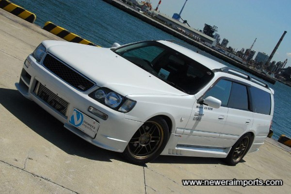 Full genuine Nismo bodykit sets this car off well.