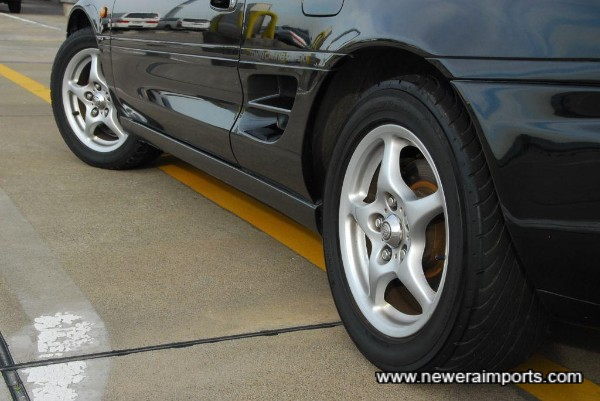 Wheels are in excellent original condition,