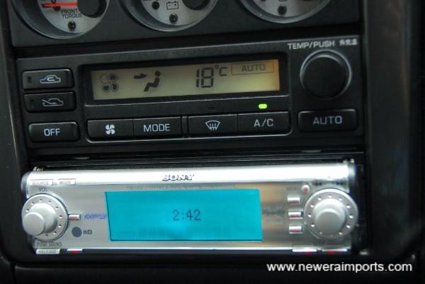 Sony 52W x 4 CD / Radio head unit